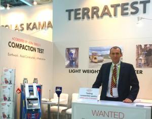 Light Weight Deflectometer cucereşte India